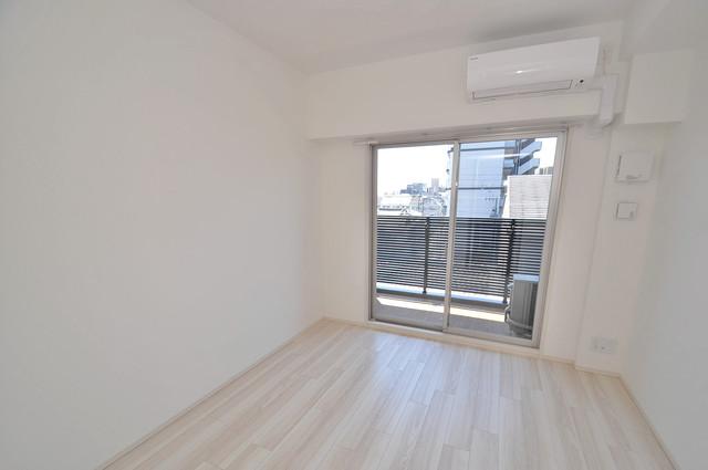 アドバンス大阪バレンシア 朝には心地よい光が差し込む、このお部屋でお休みください。