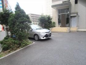 イーストガーデンリバーサイド町田駐車場