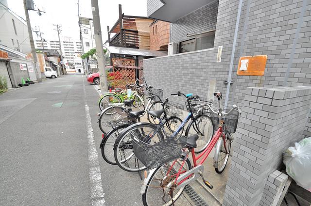 マイプラザ田島 こちらに自転車を置いてください。