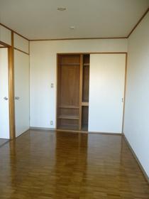 ヴィラ・セリーズ 402号室