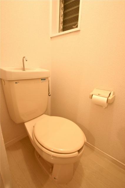 サン・クレール横浜B棟トイレ