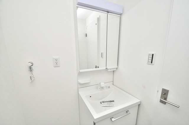 Cherry  独立した洗面所には洗濯機置場もあり、脱衣場も広めです。