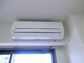 室内にエアコン完備となっています!