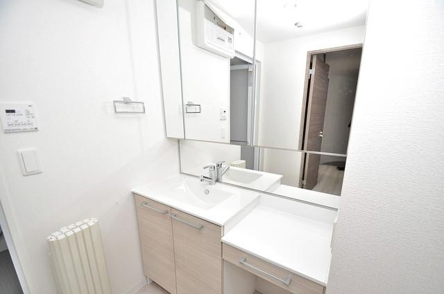 Grand Regis 豪華な洗面台はもちろんシャンプードレッサー完備です。