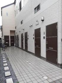西ヶ原駅 徒歩11分エントランス