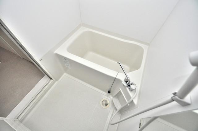 セジュールオッツ八戸ノ里 ちょうどいいサイズのお風呂です。お掃除も楽にできますよ。