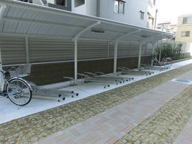 スカイコートパレス大島駐車場
