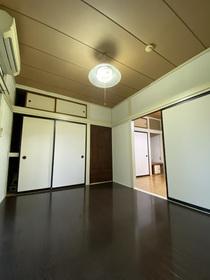 https://image.rentersnet.jp/21781c62-5ce0-4f72-8ec4-d6075c9c64f7_property_picture_953_large.jpg_cap_居室