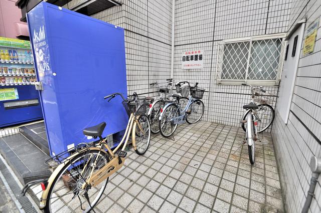 有馬パレス布施 あなたの大事な自転車も安心してとめることができますね。