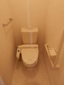 https://image.rentersnet.jp/220509fd-90b8-4417-a2f3-1a73877e8503_property_picture_953_large.jpg_cap_トイレ