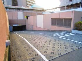 オラリオンサイト2番館駐車場