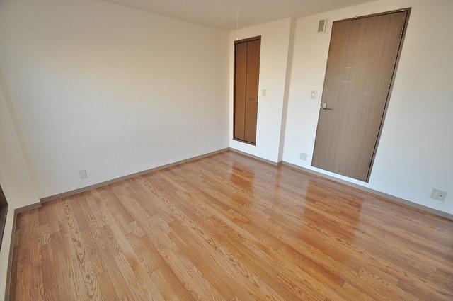 ラポルテじゅじゅ 明るいお部屋はゆったりとしていて、心地よい空間です