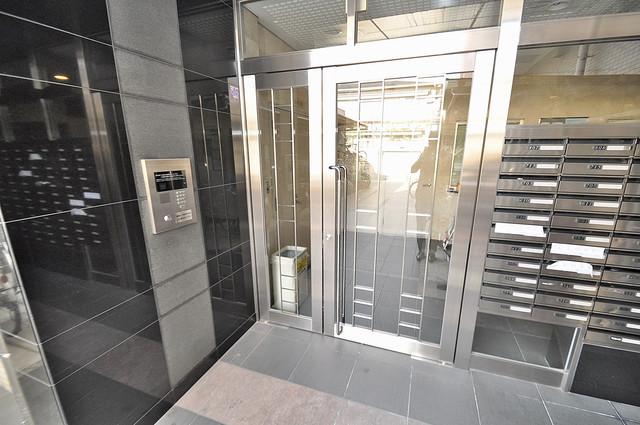 リバーサイド金岡五番館 高級感があるエントランスは安心のオートロック完備です。