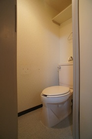 アベニュー瑞穂 103号室