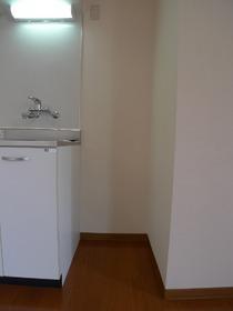 メゾンユトリロ 201号室