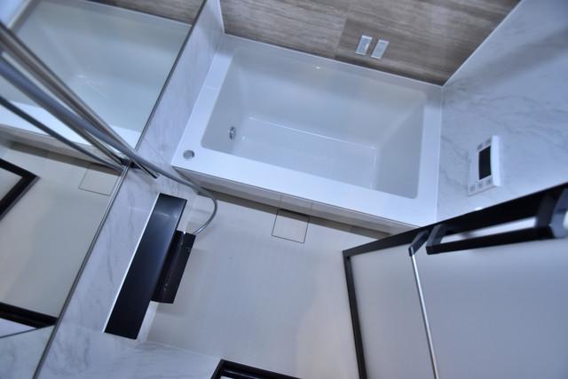 PHOENIX Clove Tomoi ちょうどいいサイズのお風呂です。お掃除も楽にできますよ。