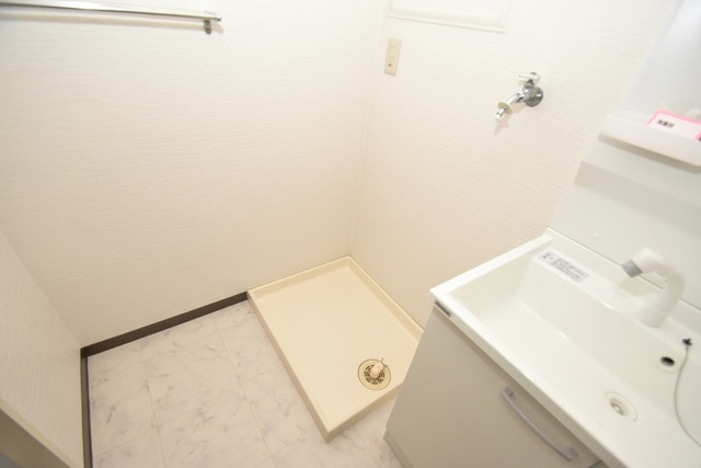サンオーク タツミ 嬉しい室内洗濯機置場。これで洗濯機も長持ちしますね。