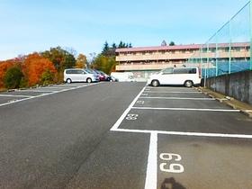 フラット連光寺駐車場
