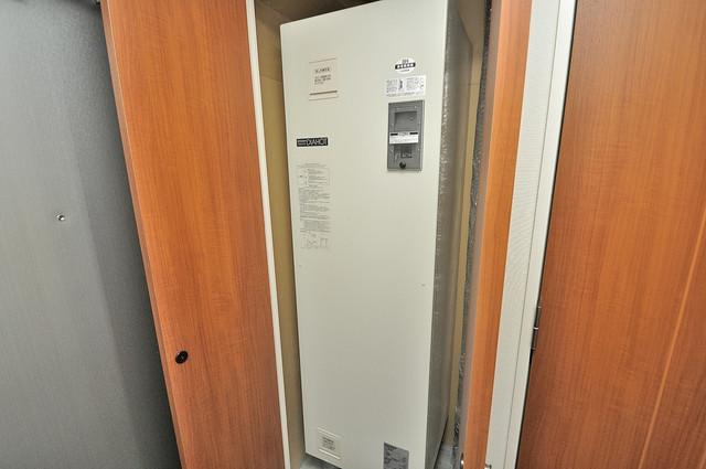 CASSIA高井田NorthCourt 電気温水器があります深夜電力でお安いですよ。