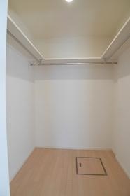 フラットフォレスト�V 102号室