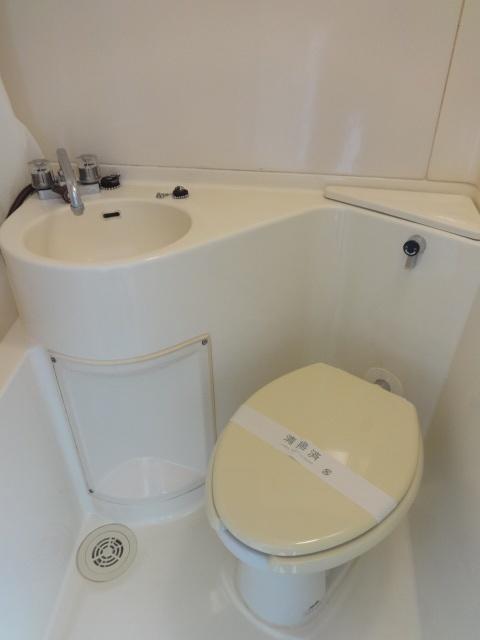 トップ横浜吉野町トイレ
