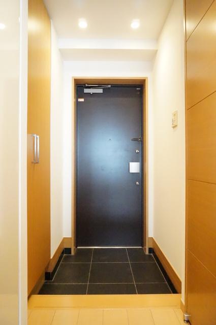 アトラス江戸川アパートメント玄関