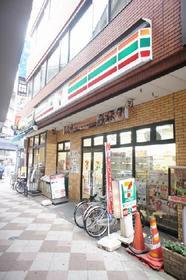 https://image.rentersnet.jp/23bb10795b33855ba4bc78337e1e58e2_property_picture_961_large.jpg_cap_セブンイレブン