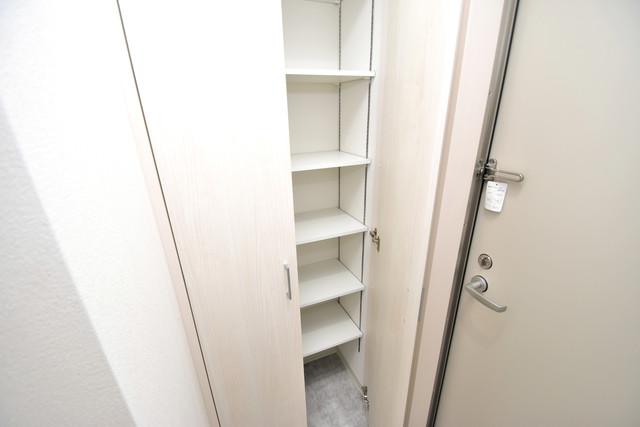 ラモーナ巽南 玄関には大容量のシューズボックスがありますよ。