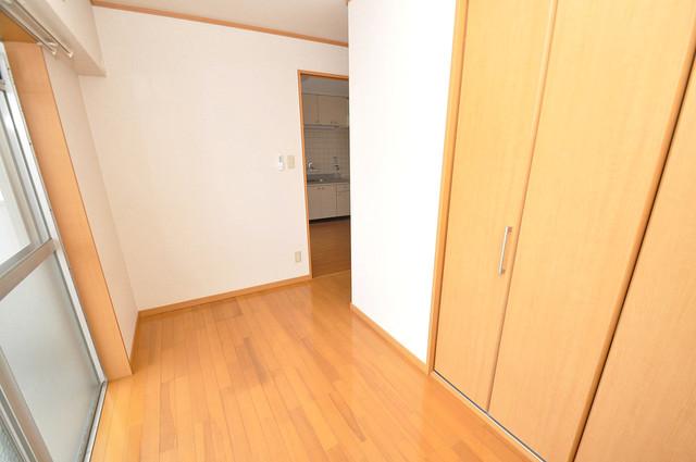 サンライフ小阪 明るいお部屋は風通しも良く、心地よい気分になります。