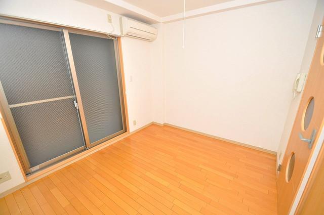 Celeb西上小阪 陽当りの良いベッドルームは癒される心地良い空間です。