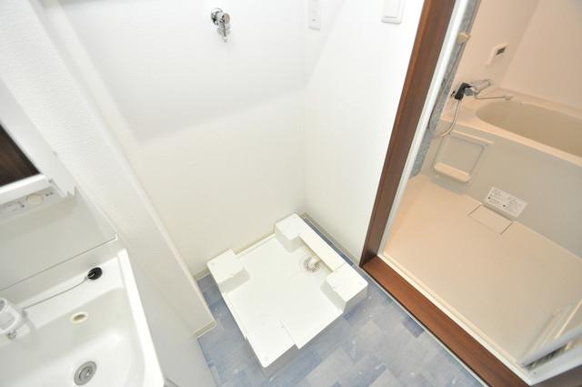 ラモーナ巽北Ⅱ 室内洗濯機置き場は脱衣場も兼ねています。