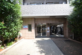 スカイコート目黒壱番館エントランス