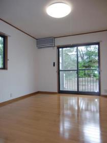 https://image.rentersnet.jp/24ddba4c-acd9-429f-bbe0-ffb11751f974_property_picture_2419_large.jpg_cap_居室
