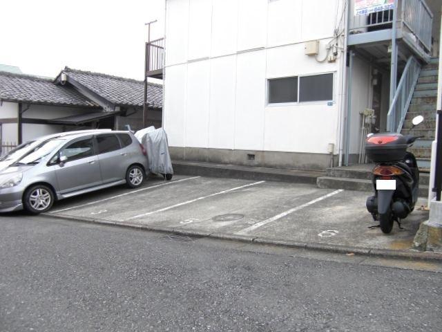 上永谷コーポ駐車場
