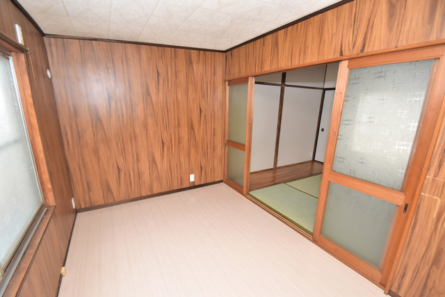 大蓮南2-15-9 貸家 朝には心地よい光が差し込む、このお部屋でお休みください。