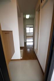 https://image.rentersnet.jp/255e5c9b-722a-4e74-a865-9e4462d3fb68_property_picture_957_large.jpg_cap_玄関
