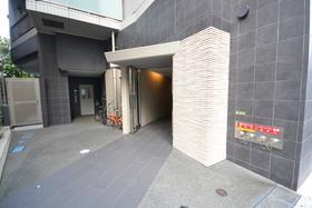 コンフォリア文京春日エントランス