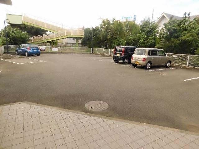 愛甲石田駅 徒歩10分駐車場