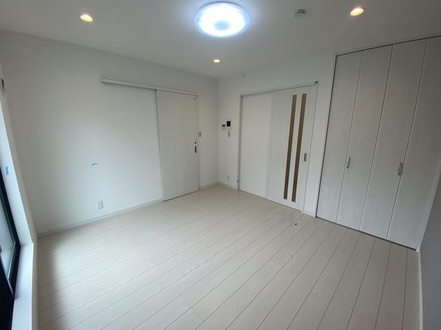 ステディ八戸の里 内装は落ち着いた色合いで、くつろげる空間になりそうですね。