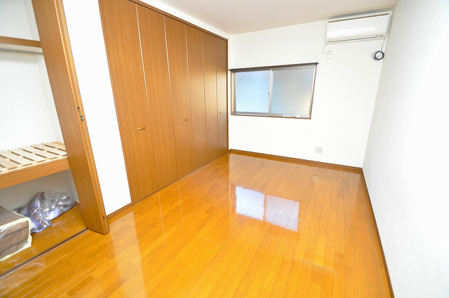 カーサ布施Ⅱ 明るいお部屋は風通しも良く、心地よい気分になります。