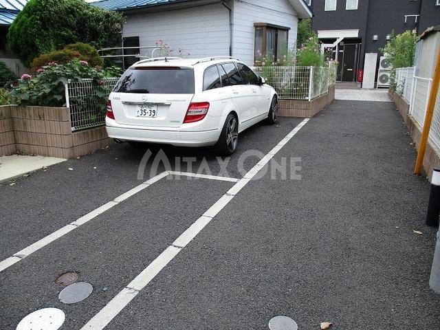 ハッピートモロー駐車場