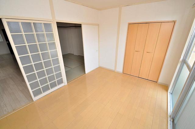 アメニティ深江橋 陽当りの良いベッドルームは癒される心地良い空間です。
