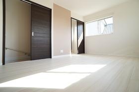 https://image.rentersnet.jp/26d3a7af-582c-4dcc-96be-cf406fcb7d67_property_picture_956_large.jpg_cap_居室
