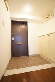 ウィステリアコート 104号室