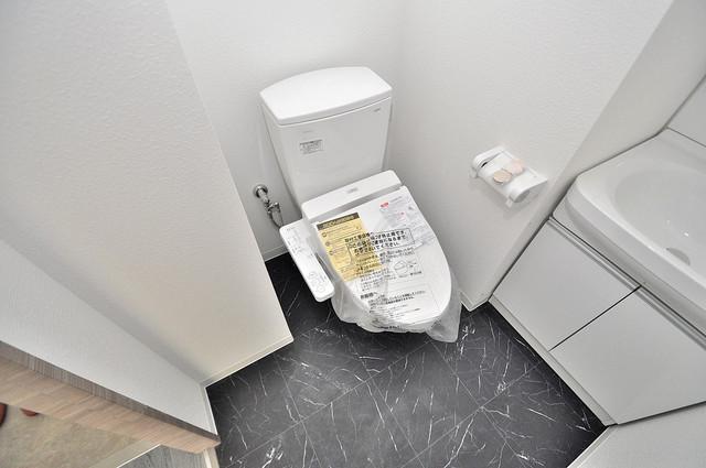 Amabile小路 清潔感のある綺麗なトイレにはウォシュレット標準装備です。