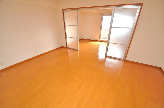 メゾンフレール 明るいお部屋はゆったりとしていて、心地よい空間です