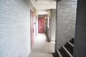 https://image.rentersnet.jp/278a3467-480b-4343-8ca2-b1022b1218ad_property_picture_956_large.jpg_cap_エントランス