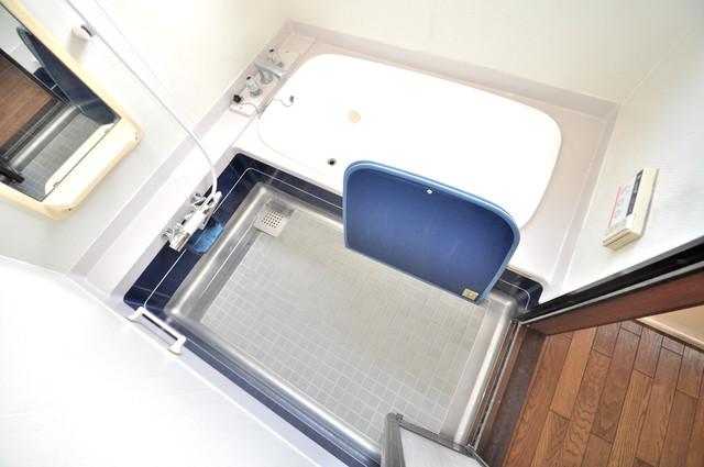 アドバンス渋川 ペントハウス ちょうどいいサイズのお風呂です。お掃除も楽にできますよ。