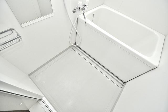 アートメゾン 広めのお風呂は一日の疲れを癒してくれます。