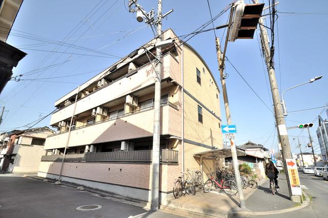 フレンテ田中 閑静な住宅地にある、落ちついた色合いのキレイな建物です。